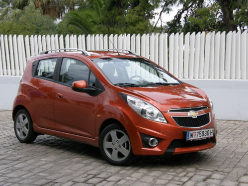 essai vid o chevrolet spark 1 2 lt la petite citadine. Black Bedroom Furniture Sets. Home Design Ideas
