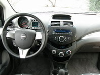 Essai vidéo - Chevrolet Spark 1.2 LT : la petite citadine qui monte, qui monte…