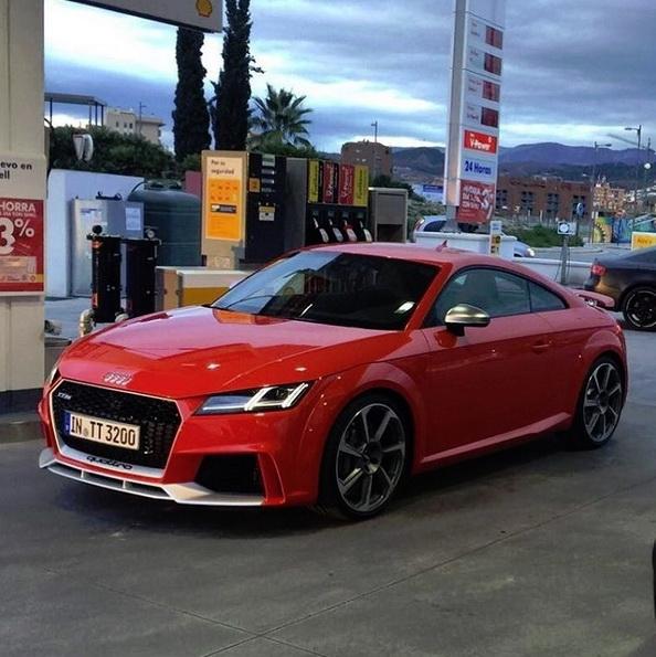 Surprise : l'Audi TT RS immortalisé avec la R8 Spyder