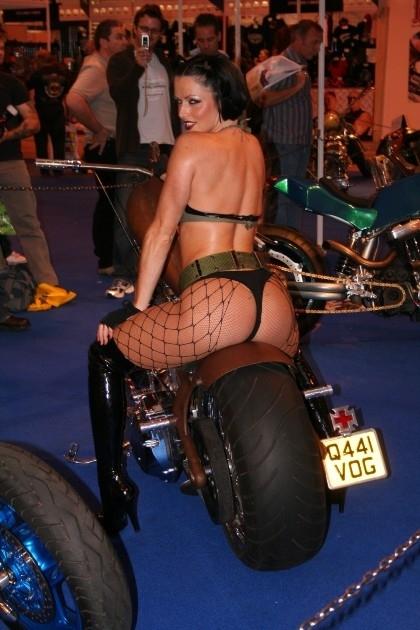 Moto & Sexy : le gros boudin...