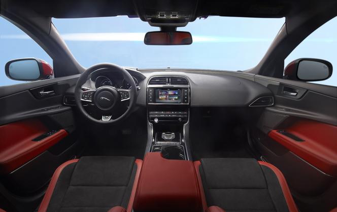 Vidéo - Jaguar XE: Caradisiac était à Londres pour la présentation officielle