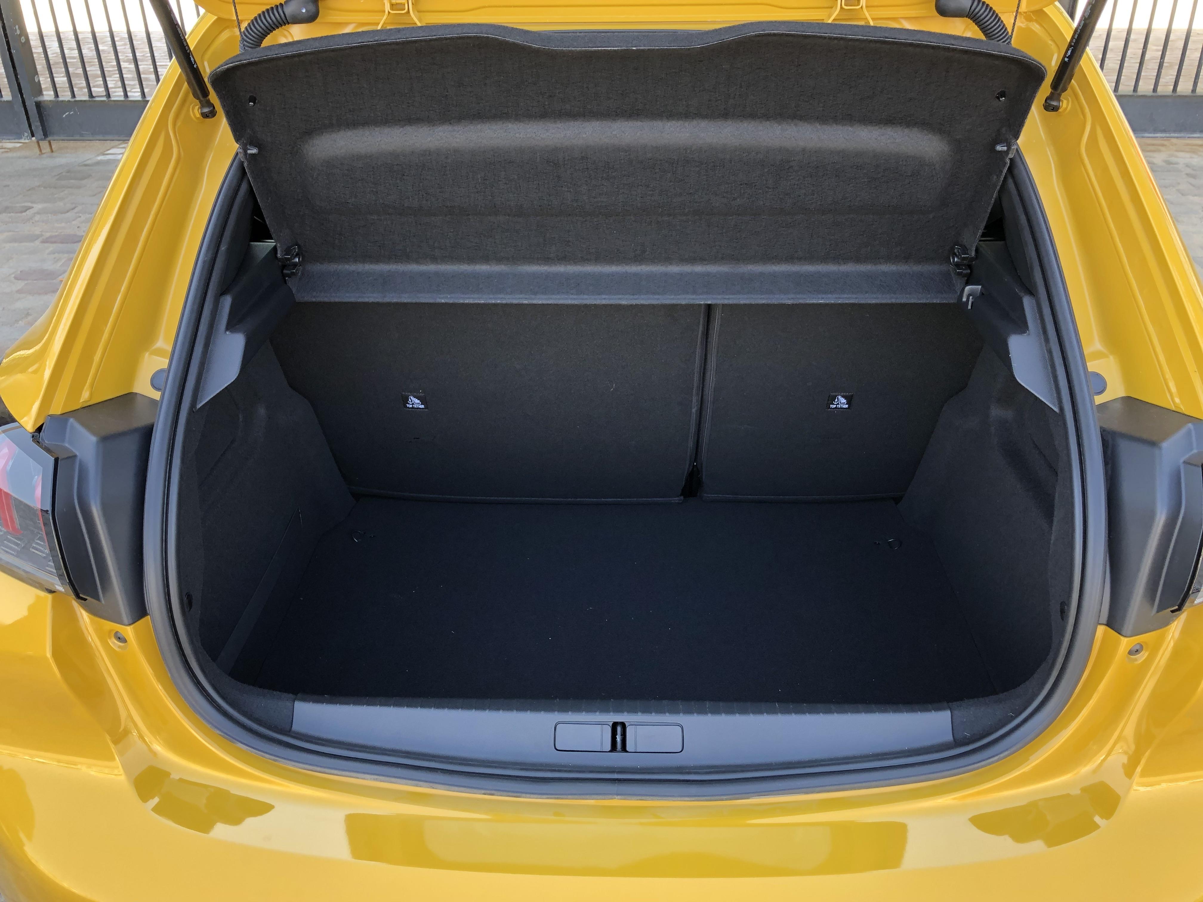 Comparatif Match Vidéo Renault Clio Vs 5 Peugeot 2082019Le UzVMpLqSG