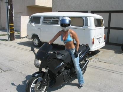 Moto & Sexy : sans la tête...