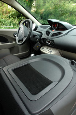 Essai Renault Twingo GT : look sport, prestations confort. 2/3