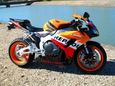 Essai Honda CBR 1000RR 2007 Repsol La Touche GP