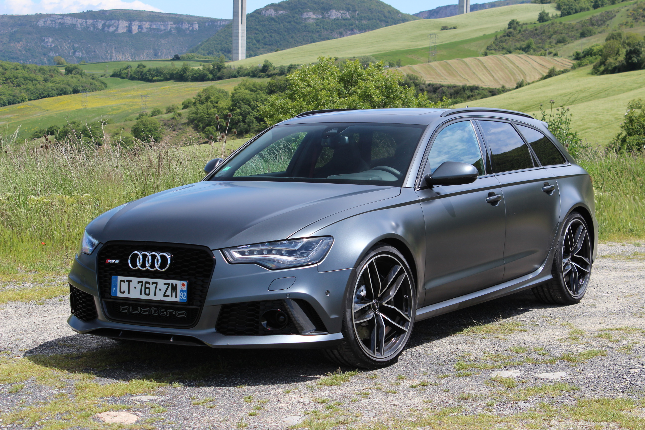 audi rs6 avant en avant premi re les photos de l 39 essai. Black Bedroom Furniture Sets. Home Design Ideas