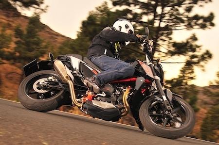 Essai KTM 690 Duke IV (2012): plus roadster que supermotard