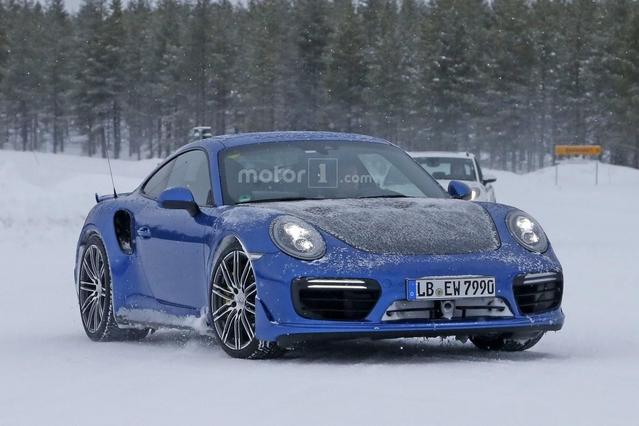 Porsche : la 911 GT2 RS surprise sans camouflage