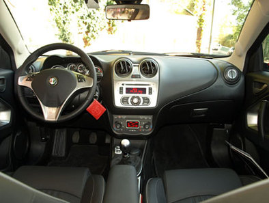 Look int rieur equipements for Interieur alfa romeo mito