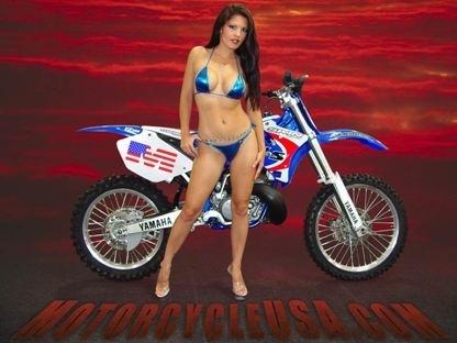 Moto & Sexy : bikini flashy