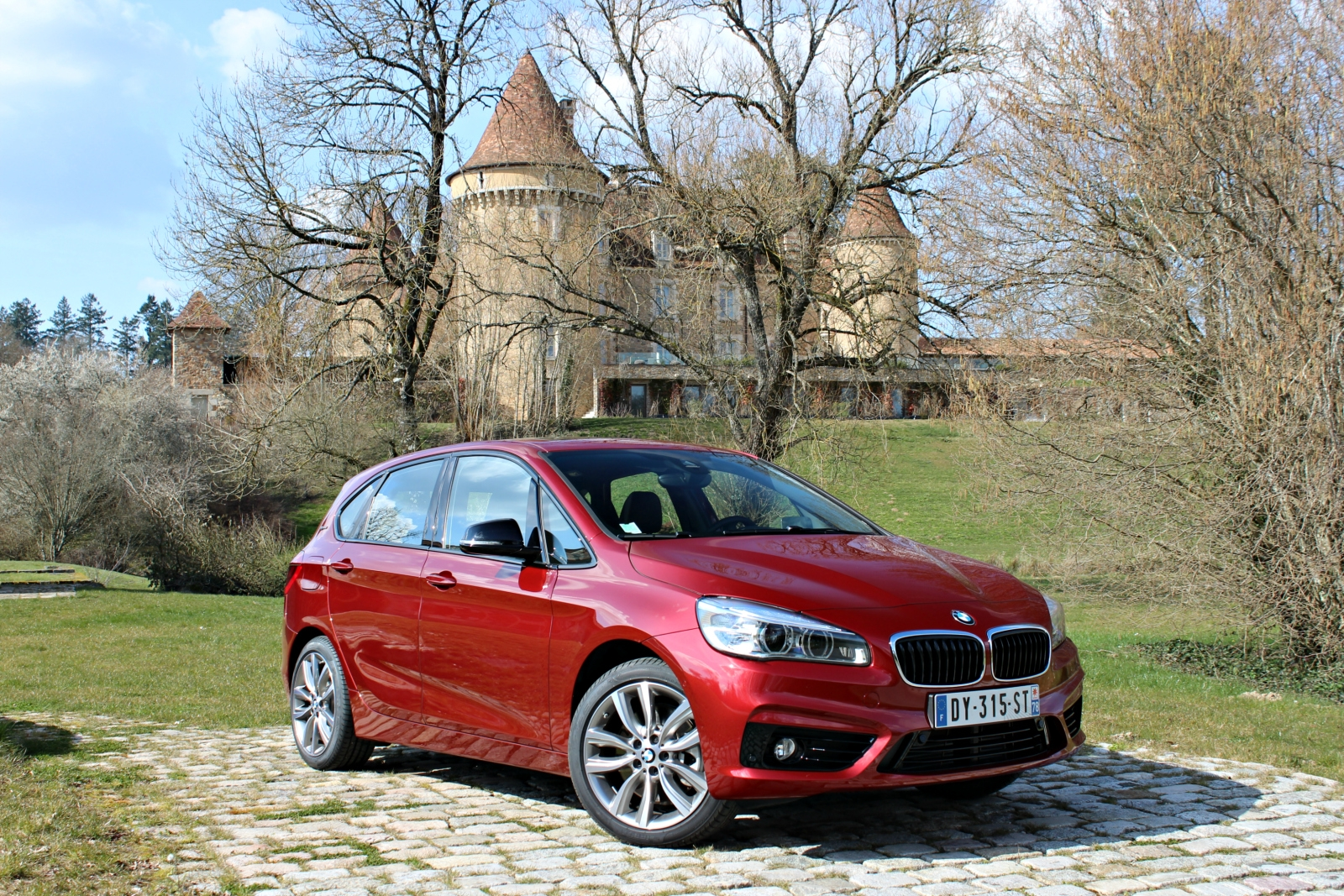 essai vid o bmw 225xe active tourer le premier monospace branch. Black Bedroom Furniture Sets. Home Design Ideas