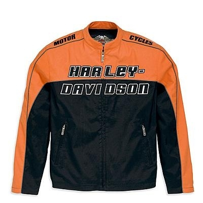 Harley Davidson présente sa collection... de fripes