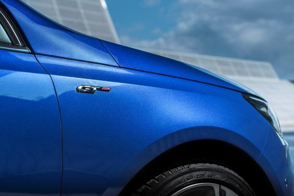 S7-Peugeot-devoile-les-308-GT-205-et-GT-180-330373
