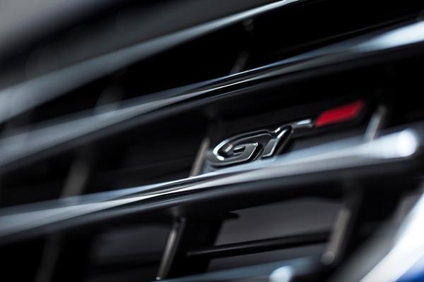 S7-Peugeot-devoile-les-308-GT-205-et-GT-180-330377