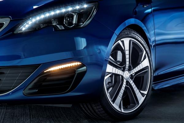 S7-Peugeot-devoile-les-308-GT-205-et-GT-180-330379