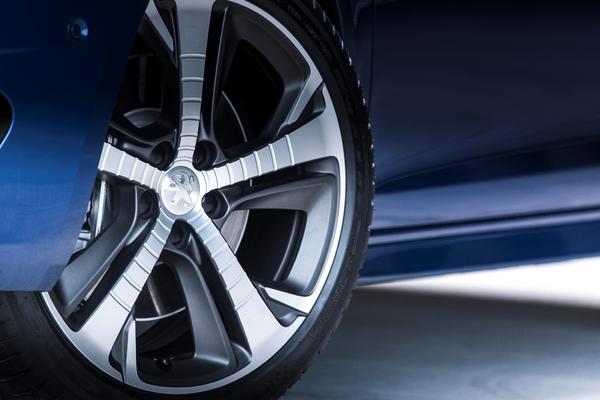 S7-Peugeot-devoile-les-308-GT-205-et-GT-180-330380