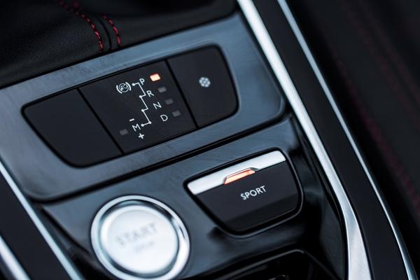 S7-Peugeot-devoile-les-308-GT-205-et-GT-180-330394