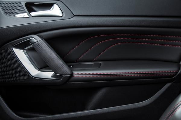 Peugeot 308 ii gt 2014 topic officiel 308 peugeot for Interieur 308 gt