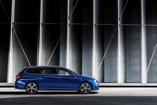S7-Peugeot-devoile-les-308-GT-205-et-GT-180-330401