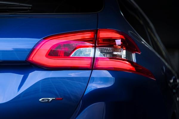 S7-Peugeot-devoile-les-308-GT-205-et-GT-180-330408