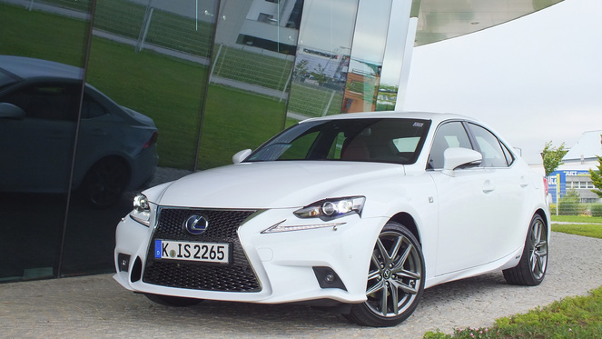 Lexus is 300h occasion