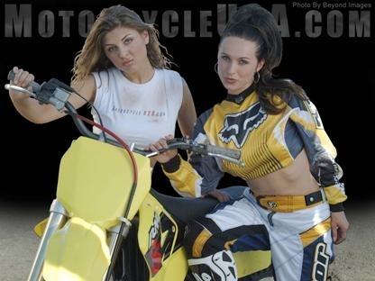 Moto & Sexy : une moto, deux filles, etc...