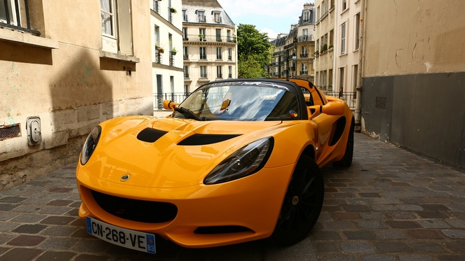 Lotus Elise S au quotidien : jour 2, dans le trafic urbain