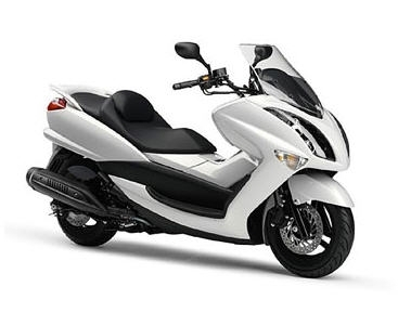 Yamaha restylise le Majesty