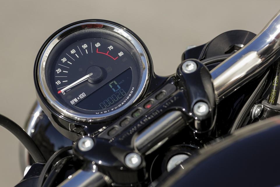 Essai Harley Davidson Roadster 1200 : tout dans la position