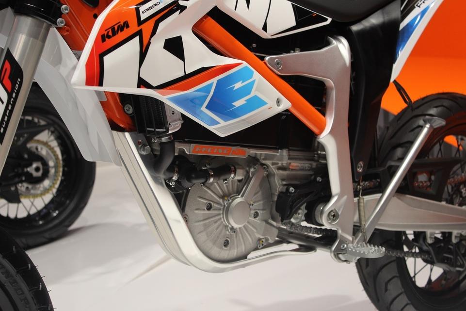 En direct d'Intermot : KTM Freeride E-SM [Supermotard]