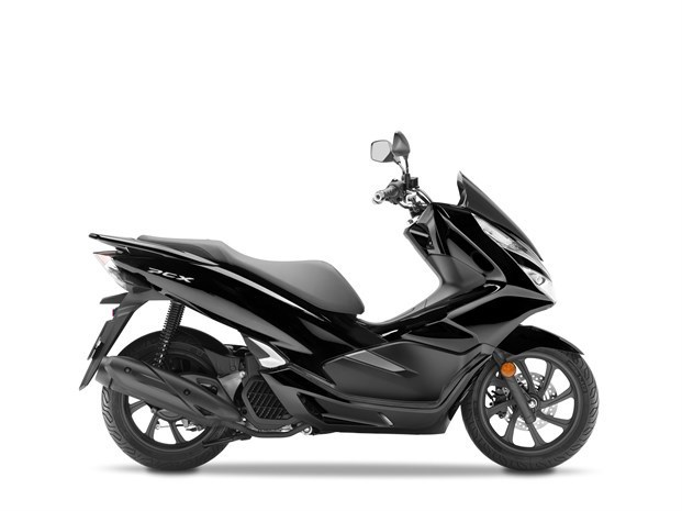 honda pcx 125 des volutions esth tiques et l 39 abs pour 2018. Black Bedroom Furniture Sets. Home Design Ideas