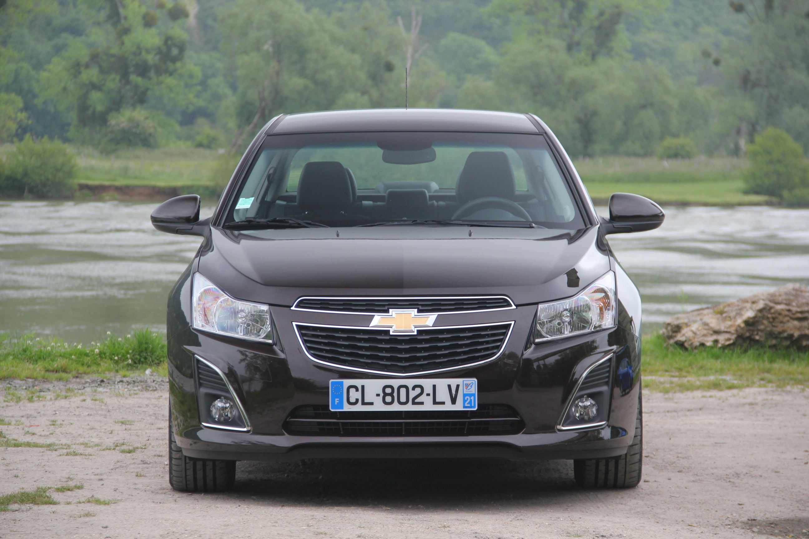 comparatif vid o skoda octavia vs chevrolet cruze deux. Black Bedroom Furniture Sets. Home Design Ideas