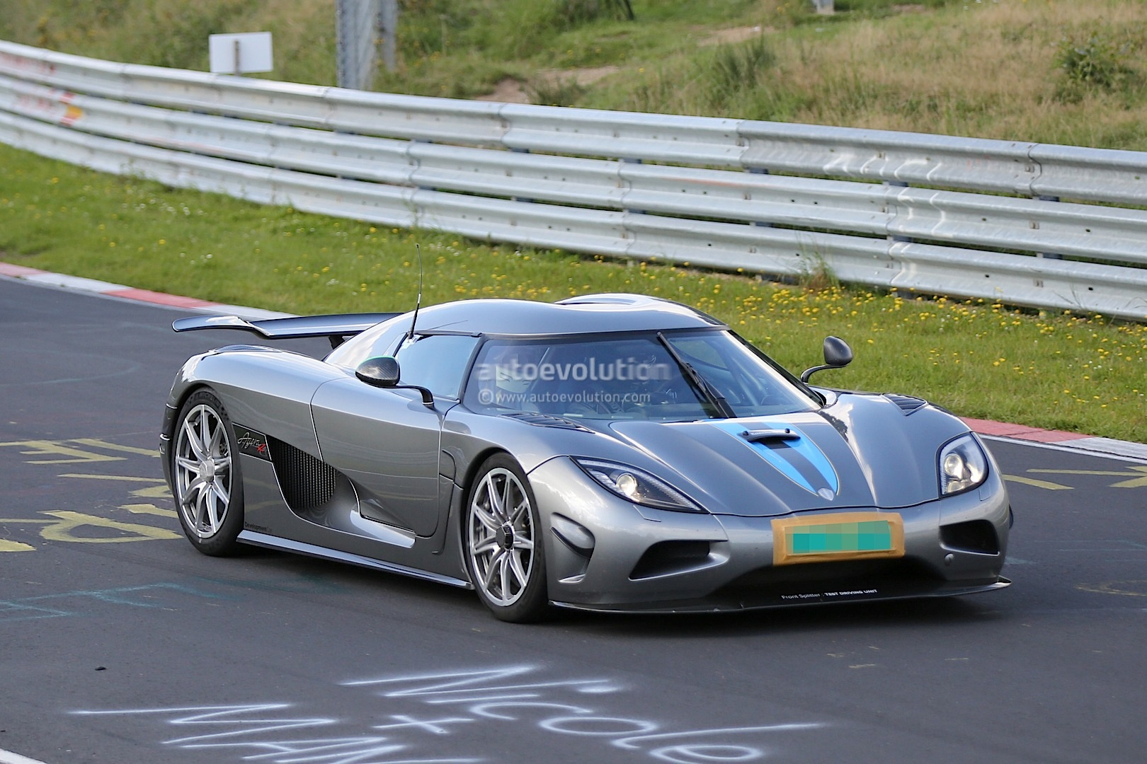 un prototype de koenigsegg agera r se crashe sur le ring. Black Bedroom Furniture Sets. Home Design Ideas