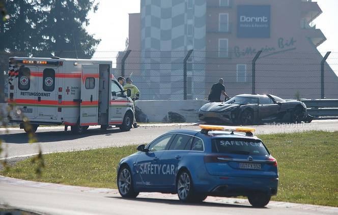 Un prototype de Koenigsegg Agera R se crashe sur le Ring