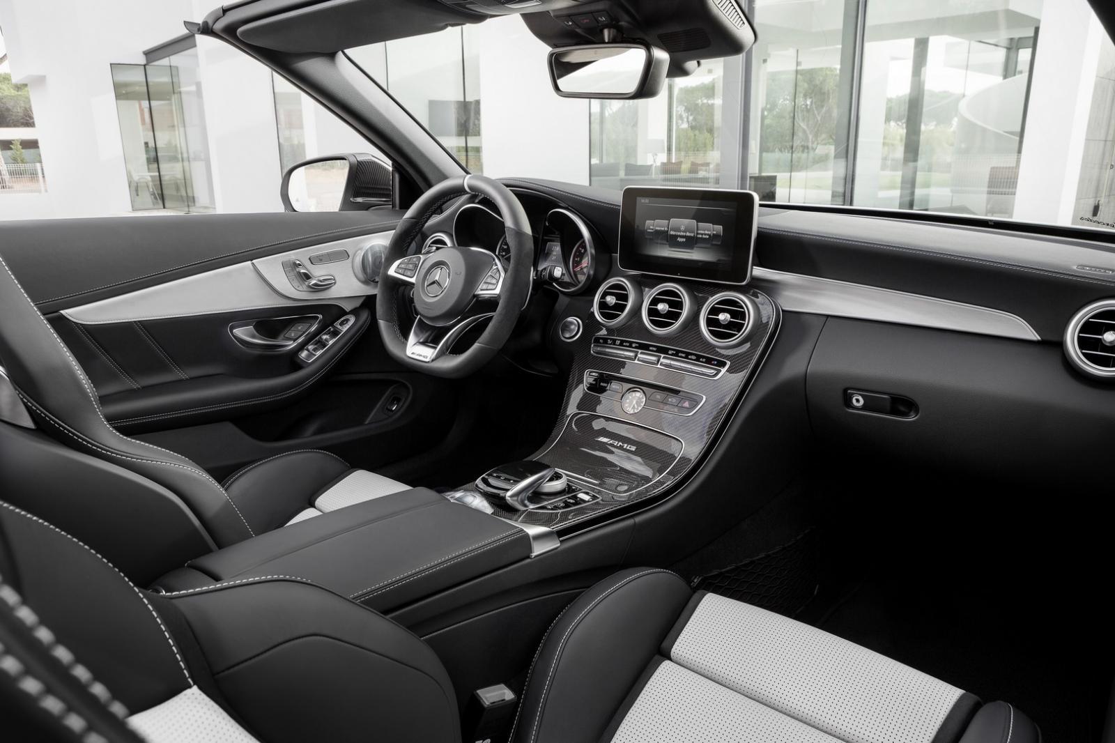 salon de new york mercedes d voile la c63 amg cabriolet. Black Bedroom Furniture Sets. Home Design Ideas