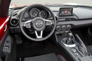 La Mazda MX-5 élue meilleure voiture du monde de l'année 2016