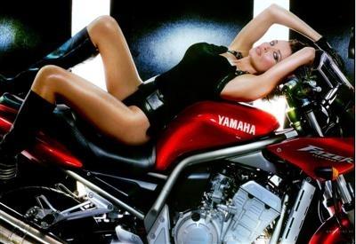 Moto & Sexy : Dans la famille Minogue je voudrais la petite soeur