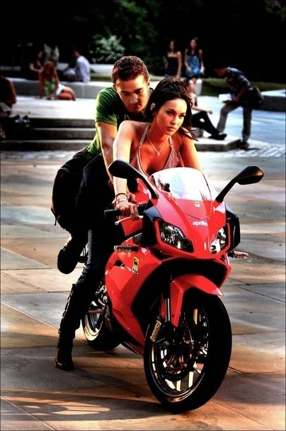 Position sexy passagere moto