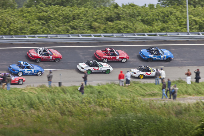 Mazda MX-5: un rassemblement record