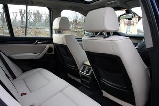 Sur le X3, l'espace aux places arrière et le confort ont été améliorés