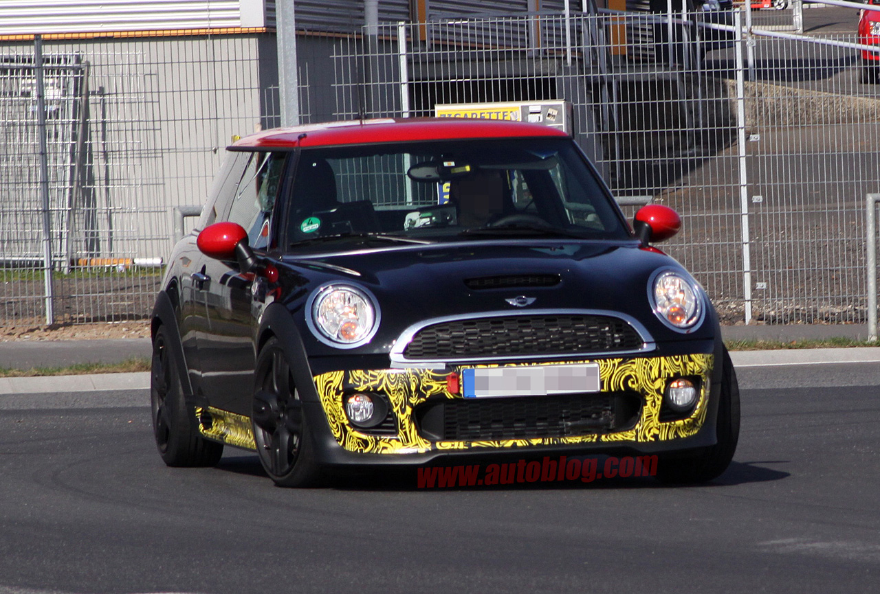 surprise une mini cooper s jcw grand prix en test. Black Bedroom Furniture Sets. Home Design Ideas