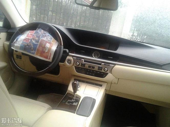 New York 2012 : la nouvelle Lexus ES ouvre l'oeil, nous aussi