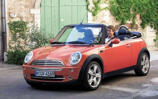 L'alternative en occasion : la Mini Cabriolet.