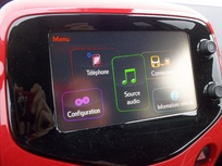 Le système multimédia comporte le Mirror Screen moyennant 400 €