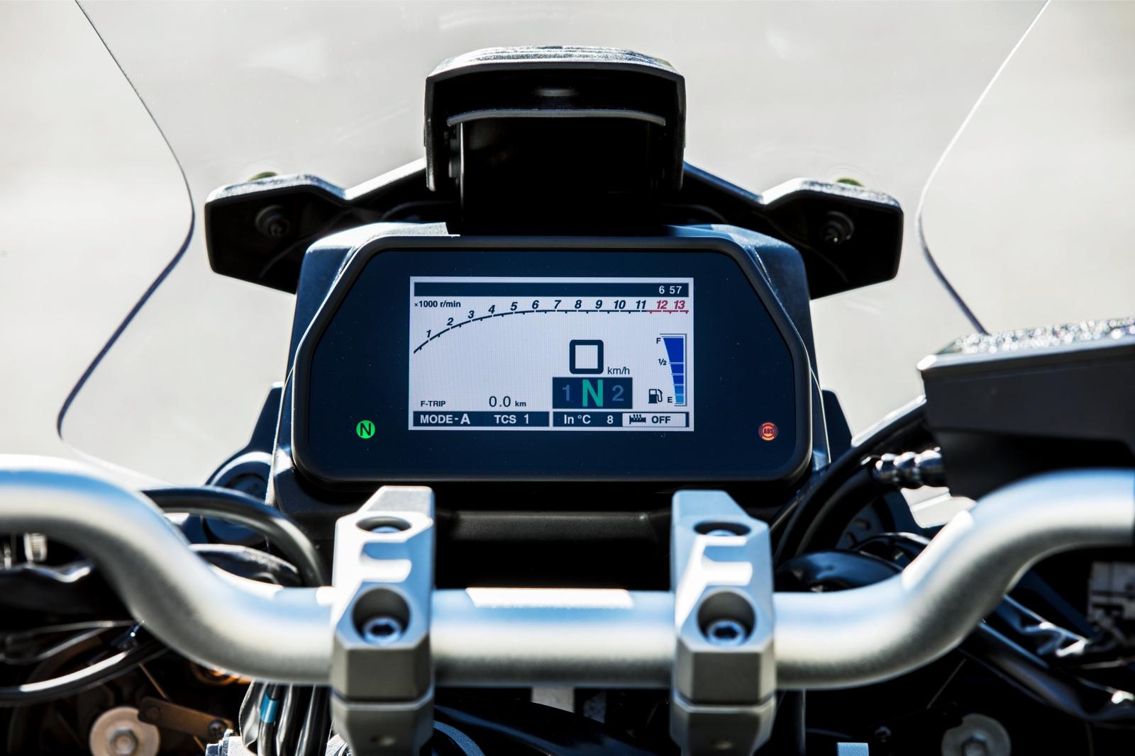 sur des pieds à la clientèle d'abord meilleure sélection de 2019 Essai Yamaha Tracer 900 et Tracer 900 GT 2018 : s'apprivoiser