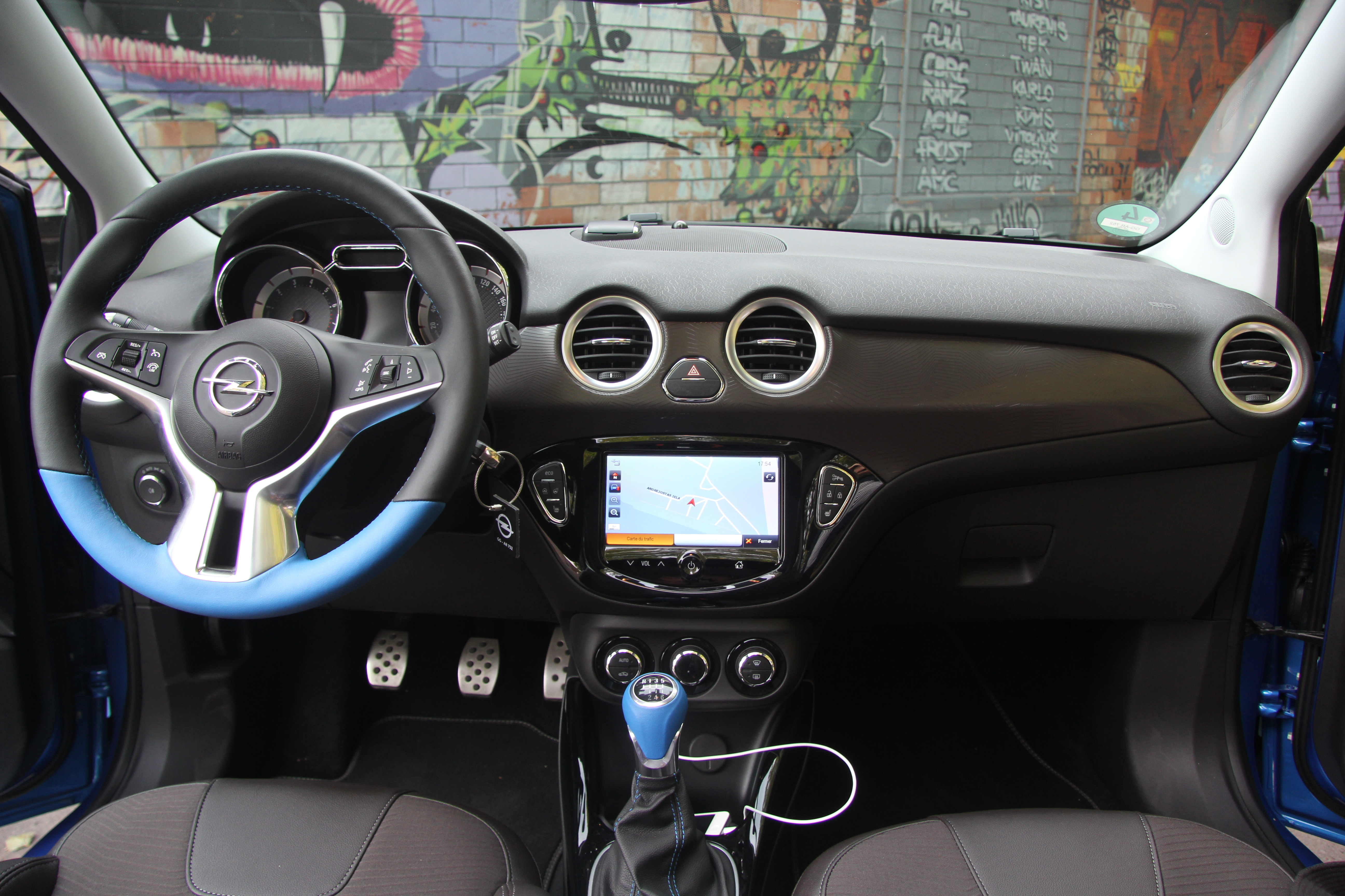 Essai vid o opel adam rocks seconde chance for Opel adam s interieur