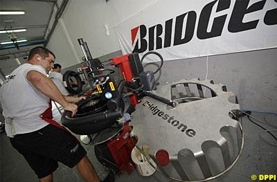 Moto GP - Bridgestone: Les pneus 2010 sont déjà là