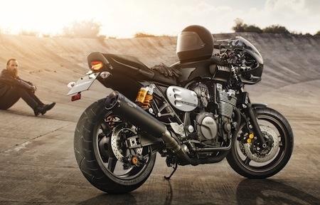 """En direct d'Intermot - Yamaha XJR1300 façon """"Racer"""": comme au bon vieux temps"""