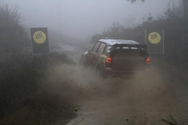 WRC Portugal Jour 2 : les 2 pilotes Ford sortent, Hirvonen résiste à la fureur des éléments