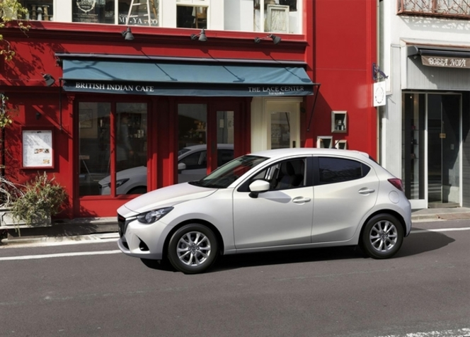 Salon de Paris 2014 - Mazda 2
